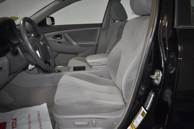 Enjoyable Pre Owned 2009 Toyota Camry Le Fwd 4D Sedan Machost Co Dining Chair Design Ideas Machostcouk