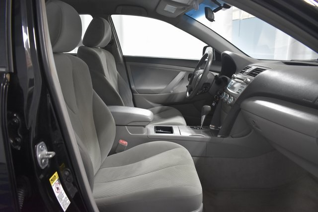 Stupendous Pre Owned 2009 Toyota Camry Le Fwd 4D Sedan Machost Co Dining Chair Design Ideas Machostcouk